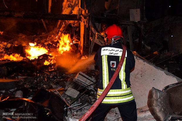 وقوع آتشسوزی در دانشگاه تهران/ مهار شعلههای آتش ادامه دارد
