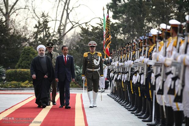 الرئيس روحاني يستقبل نظيره الاندونيسي رسمياً في طهران