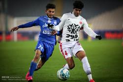 دیدار تیم های استقلال تهران و پدیده مشهد