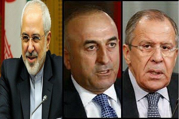 لافروف يبحث مع نظيريه الإيراني والتركي تطورات الأوضاع في سوريا