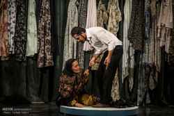مسرحية أربعة أقفال على خشبة مسرح كاشان /صور