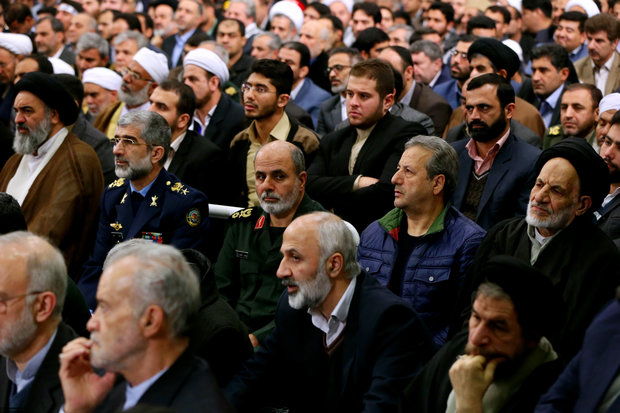 Supreme Leader receives officials on Prophet's birth anniversary