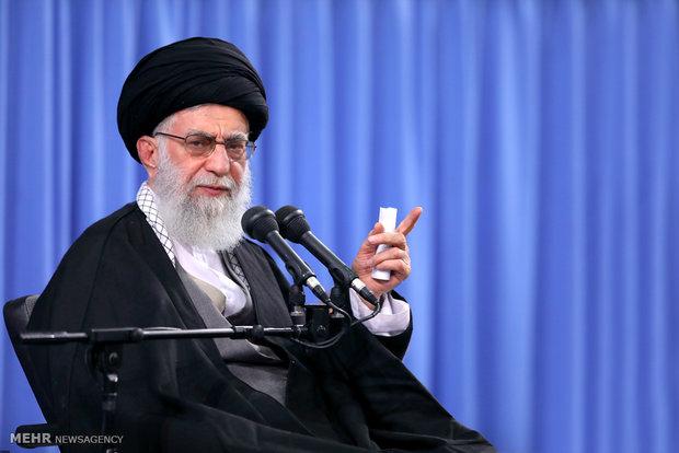 رہبر معظم انقلاب اسلامی سے ایرانی فضائیہ کے سربراہ اوراہلکاروں کی ملاقات