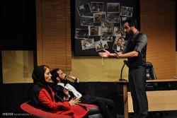 هویتی که در «سه جلسه تراپی» دزدیده شد/ مشکلات جذب مخاطب تئاتر