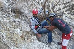 دو کوهنورد گرفتار در کوههای تنگ فاریاب نجات یافتند
