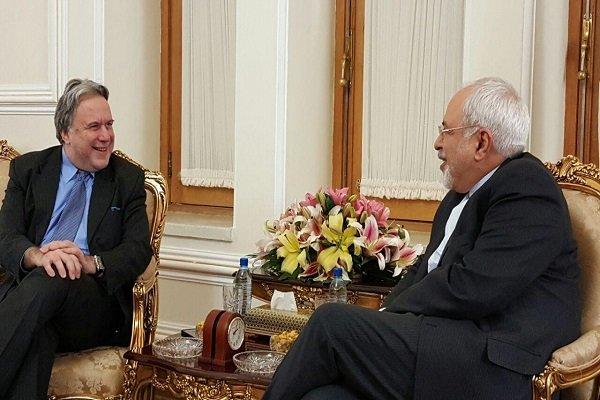 ظريف يبحث مع نائب وزير  الخارجية اليوناني التعاون الثنائي