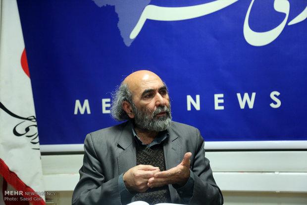 تاریخ فلسفههای موجود، مسخ فلسفهٔ اسلامی و فیلسوف مسلمان است