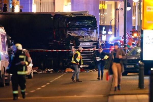 تصادم عمدی کامیون با مردم در برلین