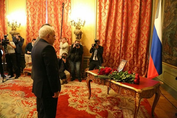 İran Dışişleri Bakanı'nın, canını kaybeden Rusya Büyükelçisi'ni saygıyla anması