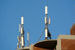 اولین سایت ارائه دهنده خدمات نسل سوم تلفن همراه ابوموسی افتتاح شد