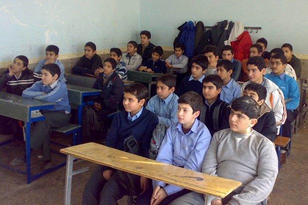۱۴۰۰معلم درچهارسال گذشته در آموزش وپرورش استان مشغول خدمت شدند