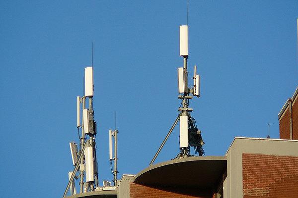 رونمایی از سامانه آنلاین اندازهگیری تشعشعات رادیویی در ۲ شهر