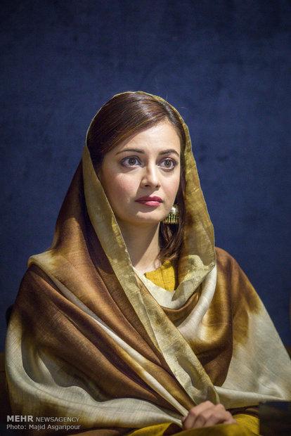 2313810 - عکس های نشست خبری فیلم سلام بمبئی با حضور گلزار و دیامیرزا