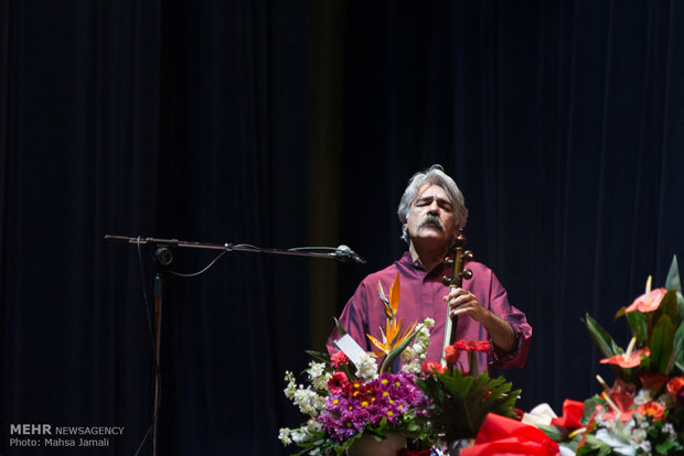 Kalhor performs in Tabriz