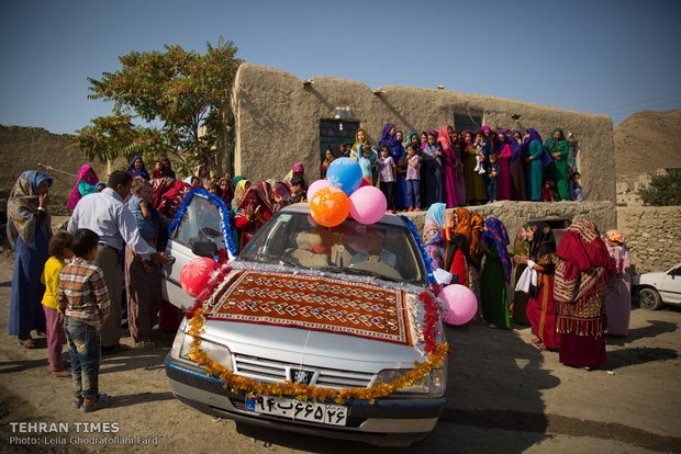 Vibrant wedding ceremonies in Turkmen Sahra