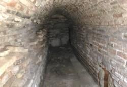 کشف یک تونل در مسجد امام اصفهان/زخمه کلنگ منجر به کشف گنج شد