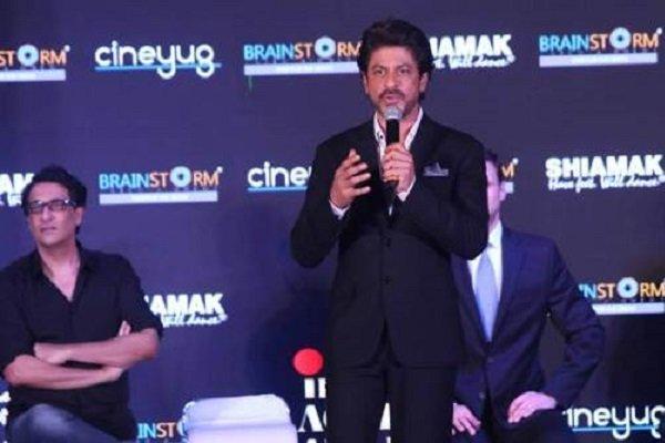 شاهرخ خان خبر اهدای جوایز سینمایی هند در آمریکا را اعلام کرد