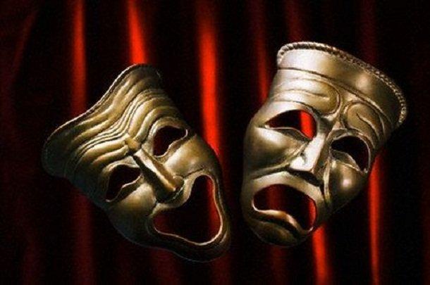 İran yapımı tiyatro oyun Paris'te seyirci karşısına çıktı