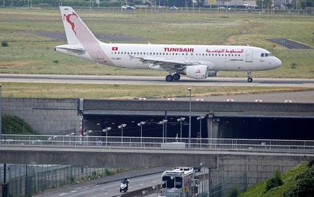 الداخلية التونسية تنفي إحباط عملية إرهابية على متن طائرة