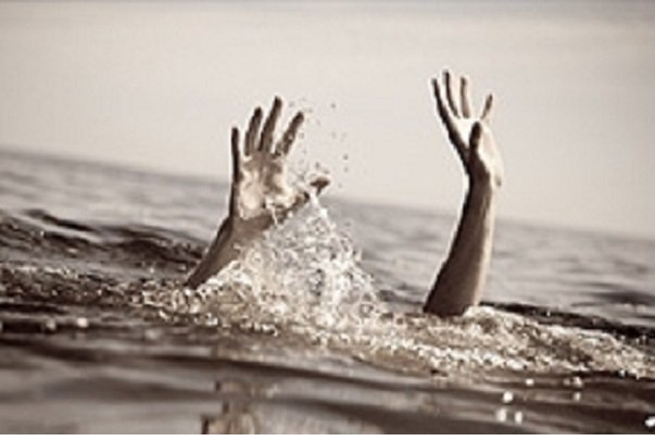 غرق شدن پسربچه ۹ ساله و مرد ۵۰ ساله در استخر آب در مرند و شبستر