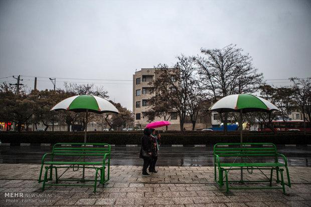 Kazvin yağmur yağışı altında