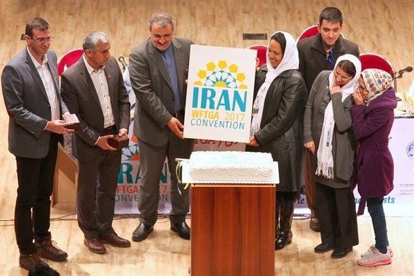 2320989 - حاشیهها در کمین بزرگترین رویداد گردشگری ایران/ کسی حق قهر ندارد