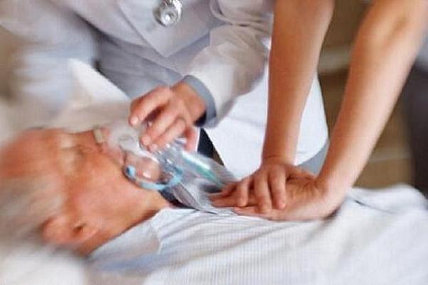 کرونا علاوه بر سکته مغزی ریسک مرگ بیماران را دو برابر می کند