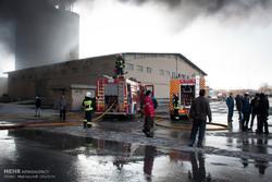 فیلم/ آتش سوزی کارخانه سیمان شاهرود
