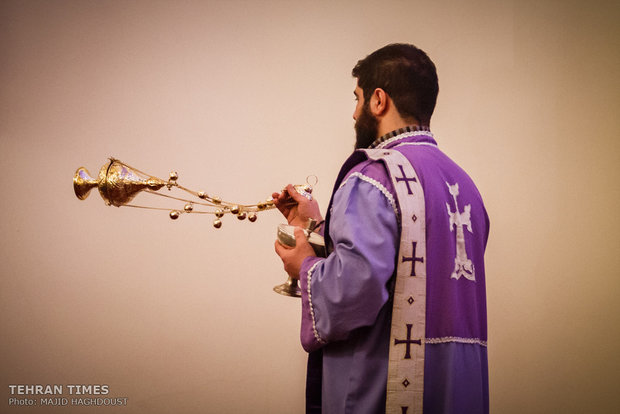 Iran's Armenians celebrate Christmas