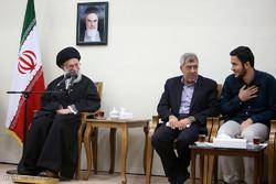 """تقرير مصور عن لقاء اساتذة جامعة """"شريف"""" مع قائد الثورة الاسلامية"""