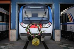 البدء بتشغيل 65 عربة وقاطرة في مترو أنفاق طهران /صور