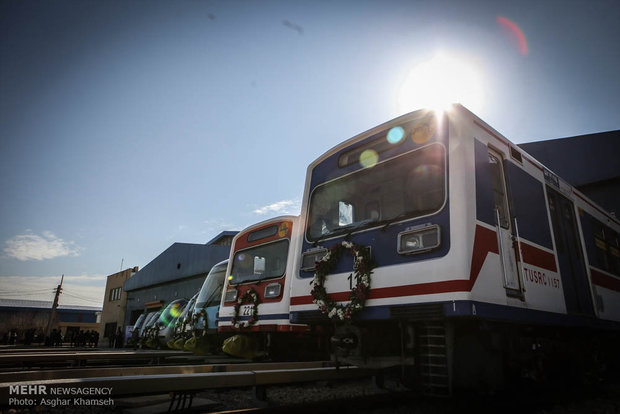 Operation ceremony of 65 wagons, subway electric locomotives