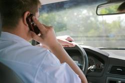 ۱۰۰ هزار تومان جریمه استفاده از تلفنهمراه حین رانندگی