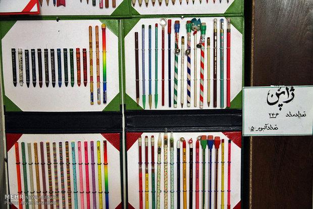 8 آلاف قلم تلوين حلمٌ طفولي على مشارف السبيعينات