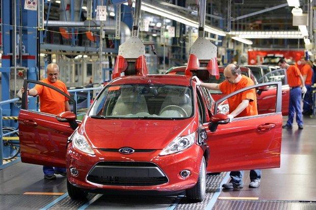 ترامپ اروپا را تهدید به وضع تعرفه ۲۰درصدی خودرو کرد