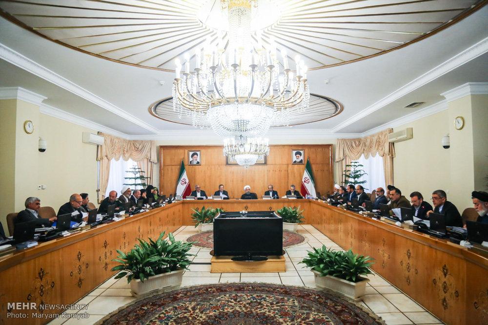 گزارش مجلس از خریدهای خارجی دولت علیرغم وجود تولیدات داخلی