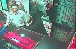 درخواست پلیس ازشهروندان؛ زن وشوهر سارق طلافروشی را شناسایی کنید