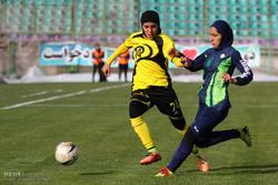 İran'da kadınlar futbolundan kareler