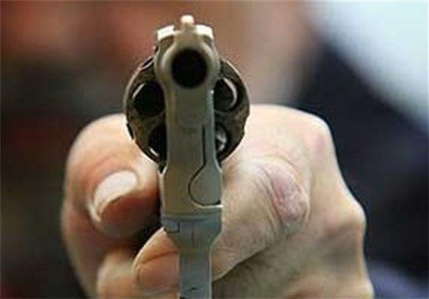 دستگیری پلیس قلابی با اسلحه پلاستیکی