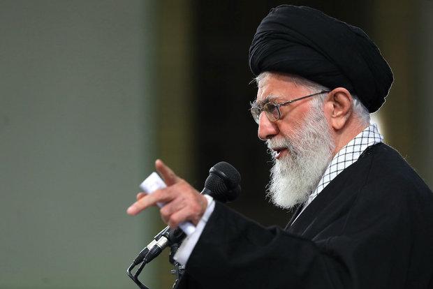 People of Qom meet with Ayatollah Khamenei