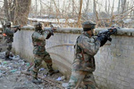 ہندوستانی سکیورٹی اہلکار کی فائرنگ سے 4 افسر ہلاک