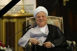 آیت الله هاشمی در تصمیمگیریهای کلیدی کشور یار و یاور رهبری بود