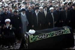 قائد الثورة يؤم غدا صلاة الميت على جثمان آية الله رفسنجاني