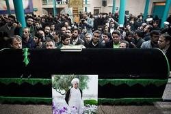 حشود غفيرة من أبناء الشعب الايراني تشارك في تشييع آية الله هاشمي رفسنجاني