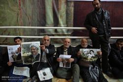 انتظار جموع المواطنين في مرقد الامام الخميني (ره) /صور