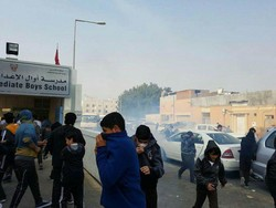 Al Khalifa forces raid school, fire tear gas at students