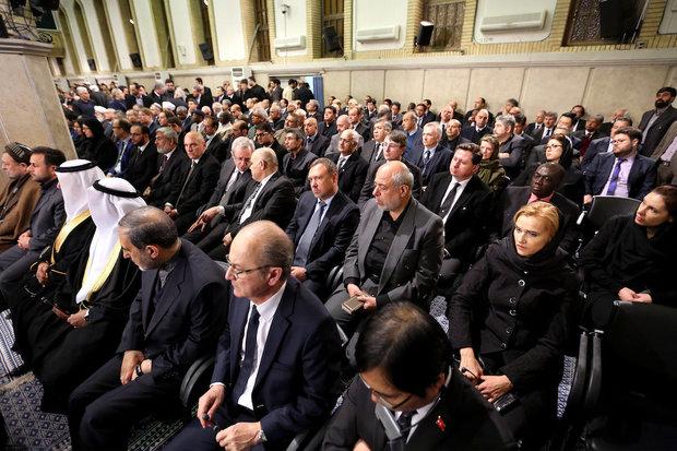 Leader holds commemoration ceremony for Hujattul-Islam Rafsanjani