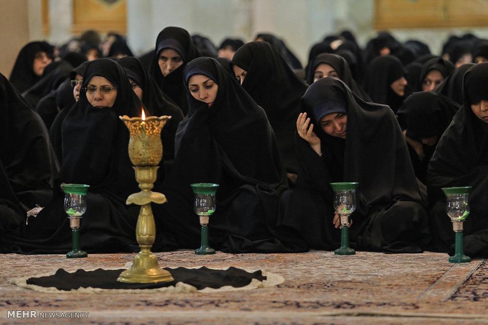 آیین شمع گردانی در حرم مطهر حضرت فاطمه معصومه(س)