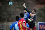 استقلال يهزم نفط طهران ويصعد الى المركز الخامس / صور