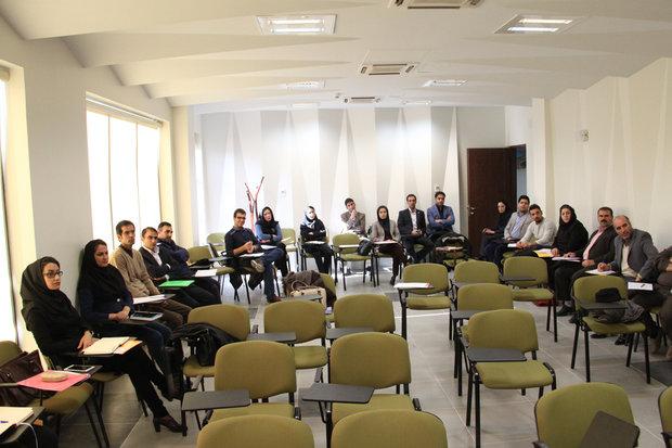 سمینار «خلاقیت و نوآوری در فضای کسب و کار» در خرمآباد برگزار شد